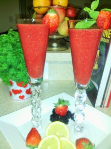 Amazing black/strawberry/parsley smoothie