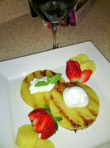 Merlot and grilled pineapple with strawberries/creme