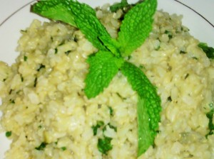 STEAMED WHOLEGRAIN RICE WITH REFRESHING MINT