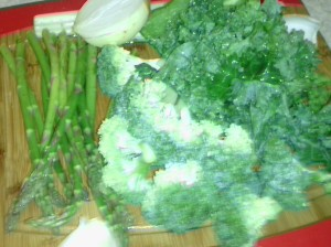 THE MAIN INGREDIENTS FOR ASPARAGUS AND BROCCOLI SOUP