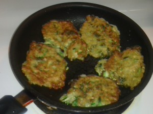 ZUCCHINI/KALE FRITTERS IN SKILLET