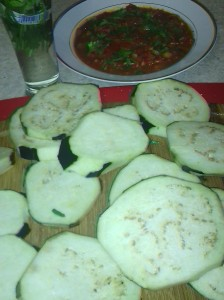 SLICED EGGPLANT READY FOR GRILL