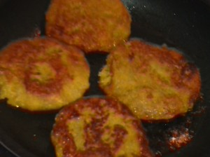 GOLDEN BROWN SWEET POTATO PATTIES