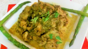 CURRIED CHICKEN THIGHS WITH STEAMED ASPARAGUS