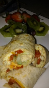 TORTILLA SCRAMBLED WRAP WITH FRESH FRUITS