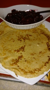 CREPES READY FOR CRANBERRY SAUCE FILLING